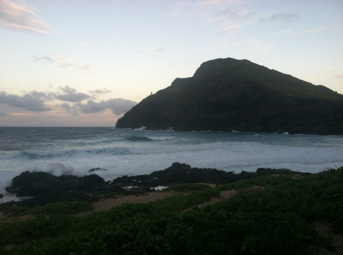 Waves rolling in at Makapu