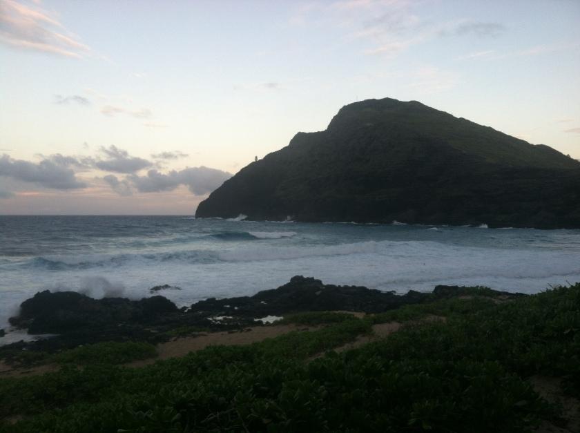 Waves rolling in at Makapu
